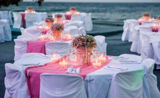 Romantic wedding in Santorini (Greece)